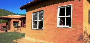 Obra com tijolo ecológico Trindade em Vassouras - RJ